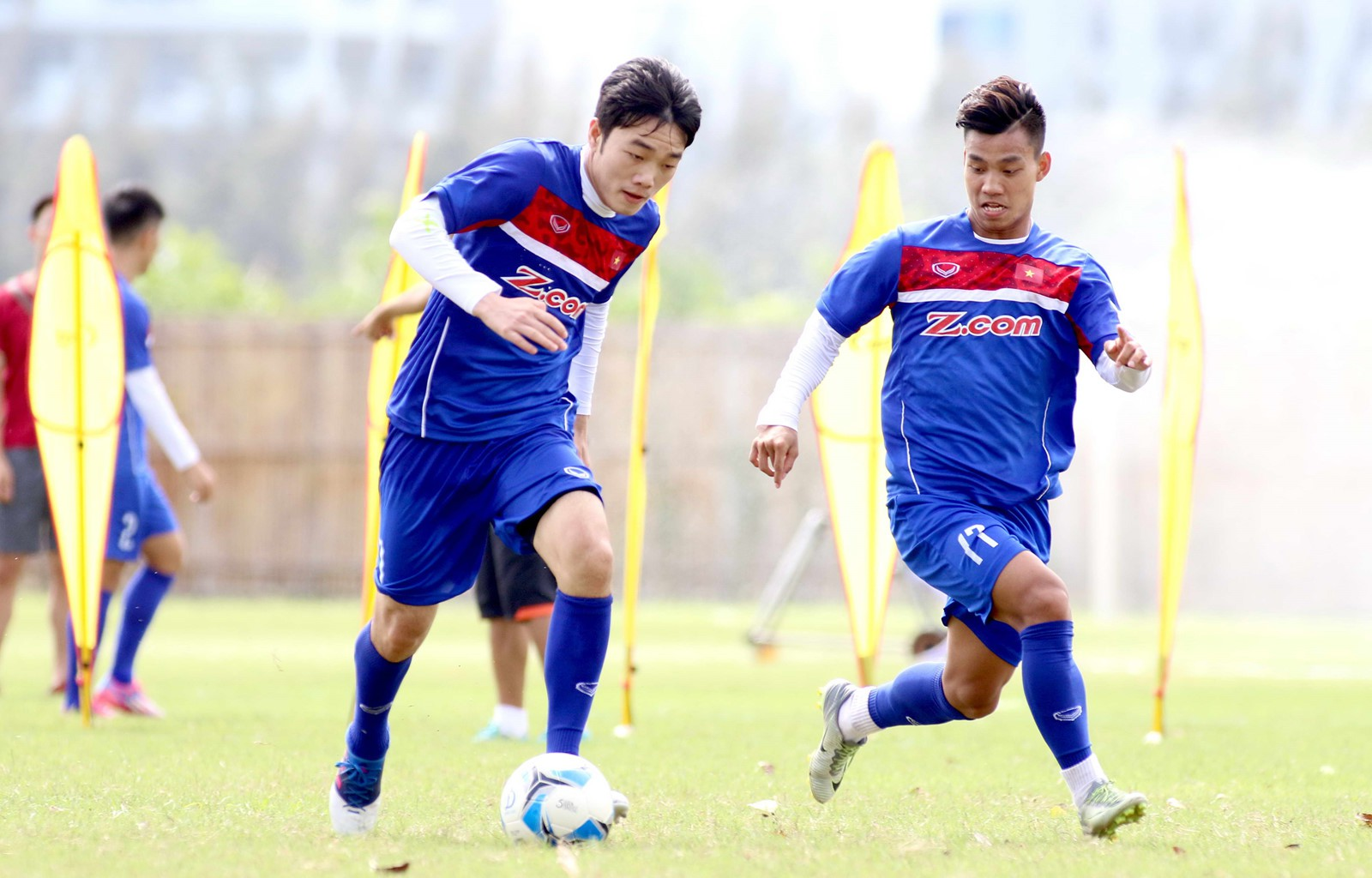 Văn Thanh nói về màn khoanh tay ăn mừng và tiết lộ chàng cầu thủ mà anh quý mến nhất trong đội tuyển U23 Việt Nam - Ảnh 6.