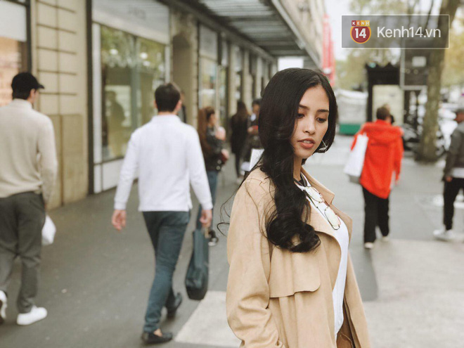 Hoa hậu Tiểu Vy mặt mộc dạo phố Paris, khoe vẻ đẹp đầy sức sống của tuổi 18 - Ảnh 10.