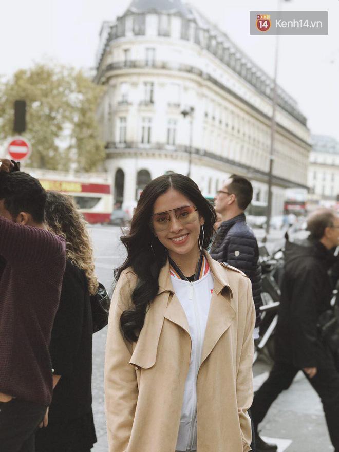 Hoa hậu Tiểu Vy mặt mộc dạo phố Paris, khoe vẻ đẹp đầy sức sống của tuổi 18 - Ảnh 11.