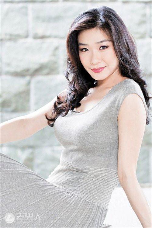 Phận đời Hoa hậu Trung Quốc Malaysia: Bị bạn trai bạo hành, từ chối 2 cuộc hôn nhân với đại gia vì lý do ít ai ngờ - Ảnh 1.