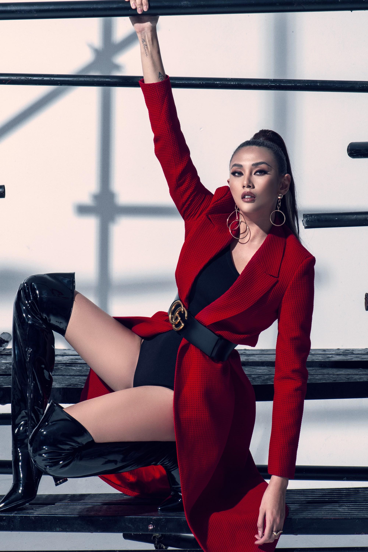 Võ Hoàng Yến ra mắt dàn thí sinh đậm chất thời trang tại The Face Vietnam - Ảnh 2.