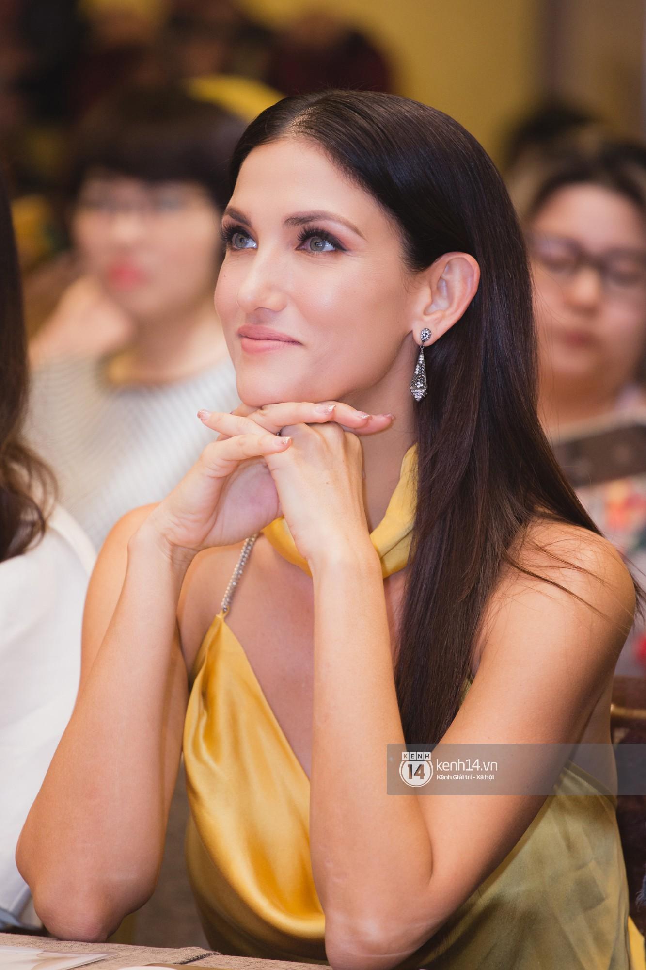 Chị Đại của Next Top châu Á - Cindy Bishop ghi hình show thực tế cùng Hồ Ngọc Hà, Hương Giang - Ảnh 4.
