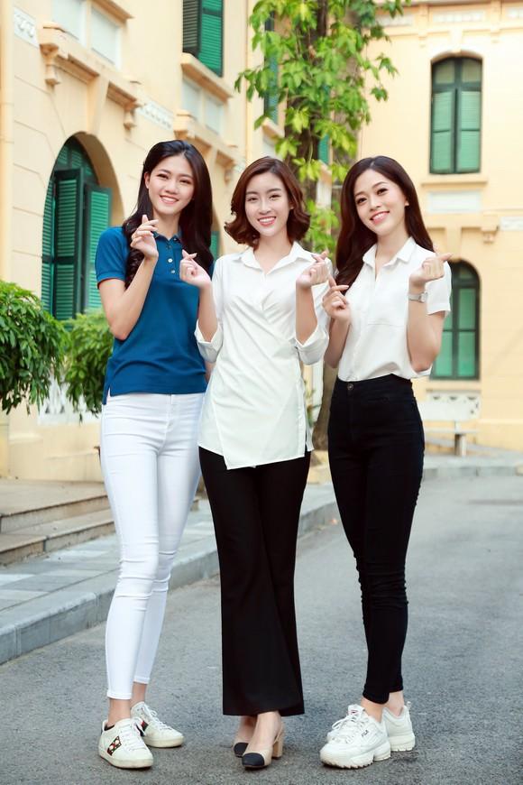 Sao Việt mặc đơn giản đi từ thiện: trông tối giản nhưng thật ra thì cũng đồ hiệu cả cây - Ảnh 5.