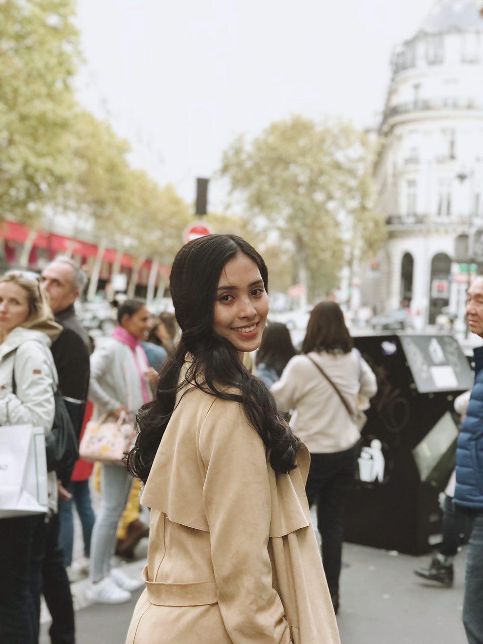 Trước thềm sự kiện ra mắt ô tô VINFAST, Hoa hậu Tiểu Vy diện đồ giản dị, hào hứng khám phá Paris - Ảnh 5.