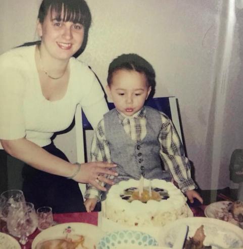 Nam sinh có màn giả gái chiếm spotlight trên Facebook hoá ra lại là con lai Nga - Việt - Ảnh 3.