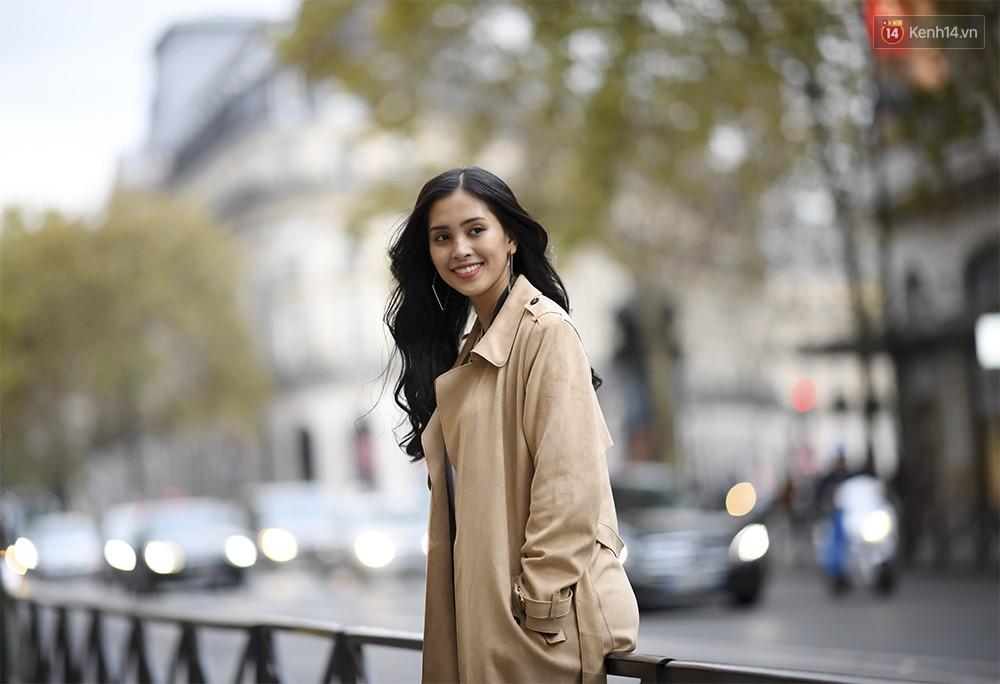 Hoa hậu Tiểu Vy mặt mộc dạo phố Paris, khoe vẻ đẹp đầy sức sống của tuổi 18 - Ảnh 6.