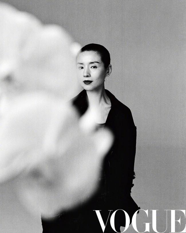 Hai nàng Phú Sát Hoàng Hậu đụng độ nhan sắc trên bìa tạp chí: Tần Lam - Đổng Khiết ai hơn ai? - Ảnh 3.