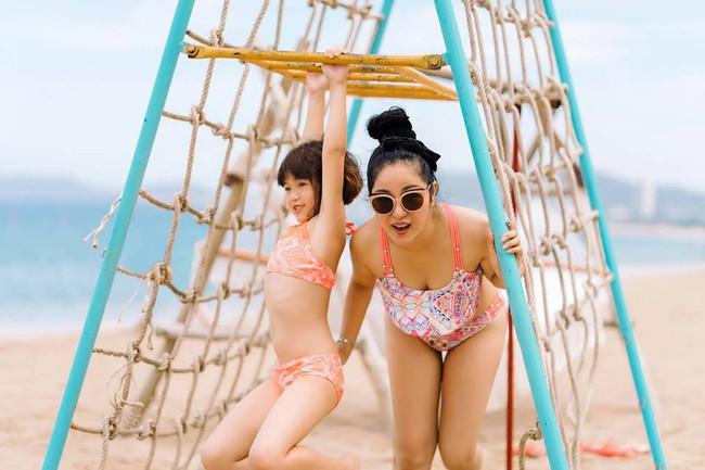 Danh hài Thúy Nga tự tin diện bikini hai mảnh, khoe vóc dáng gợi cảm ở tuổi 42 - Ảnh 4.