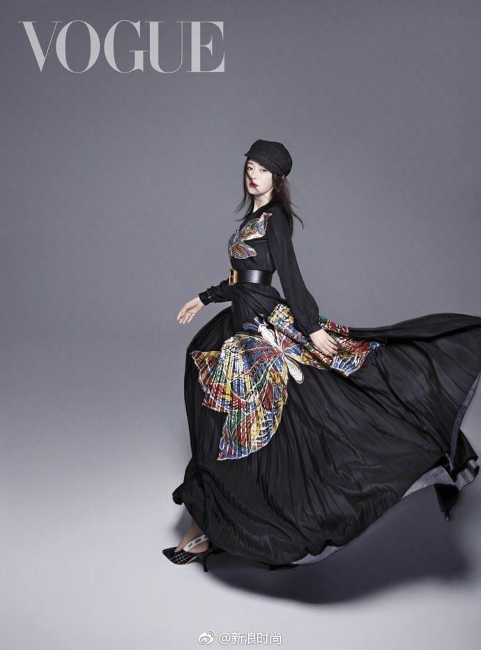 Hai nàng Phú Sát Hoàng Hậu đụng độ nhan sắc trên bìa tạp chí: Tần Lam - Đổng Khiết ai hơn ai? - Ảnh 13.