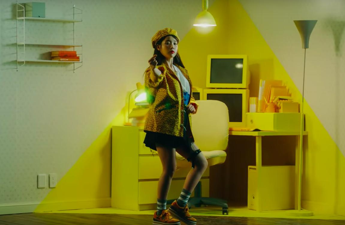 IU thay đổi 10 hình tượng trong MV kỉ niệm 10 năm ca hát, tiêu diệt mọi BXH khi vừa ra mắt - Ảnh 7.