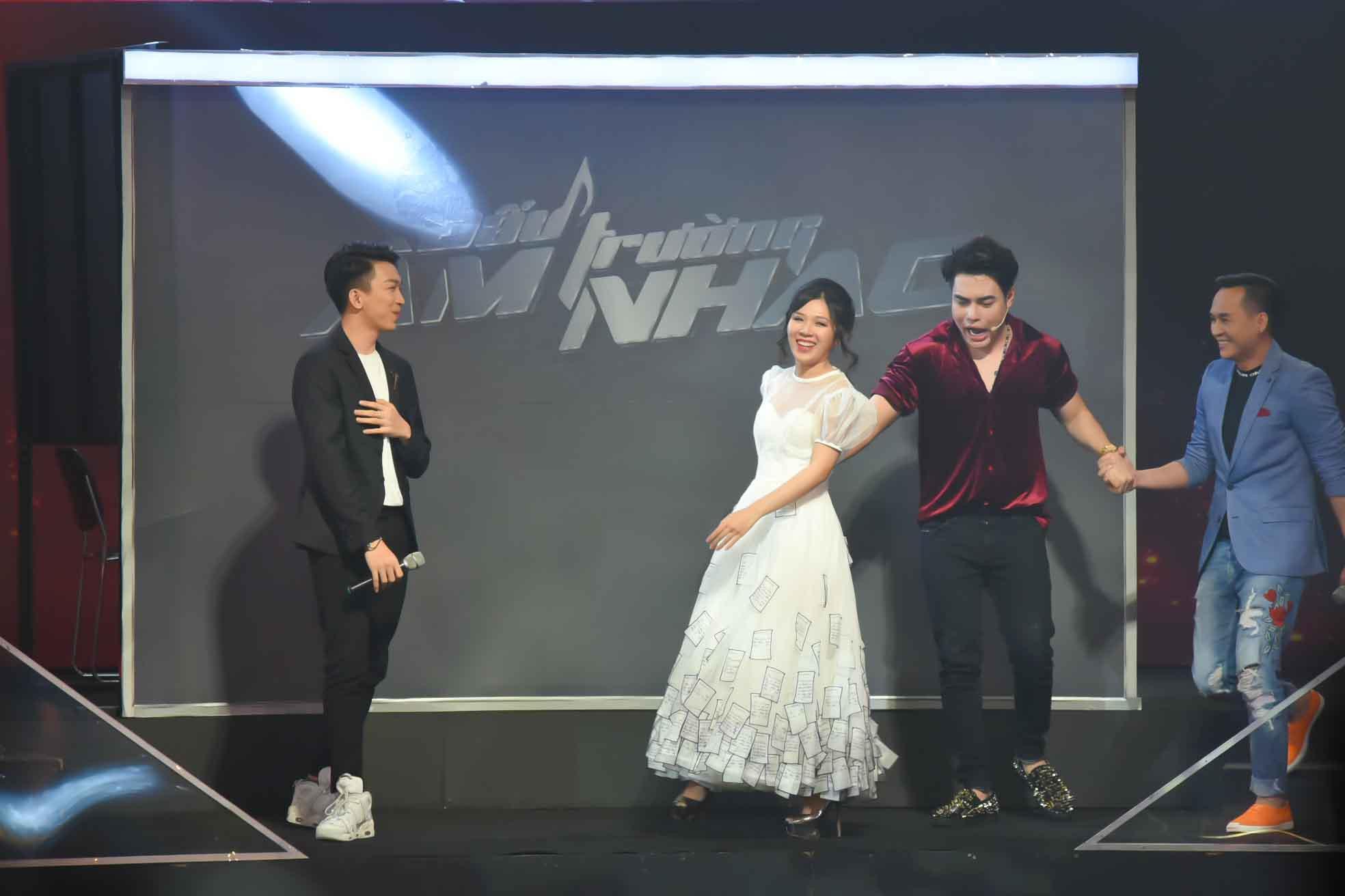 Lê Dương Bảo Lâm lầy lội mua chuộc giám khảo, bày thí sinh gian lận tại Đấu trường âm nhạc - Ảnh 4.