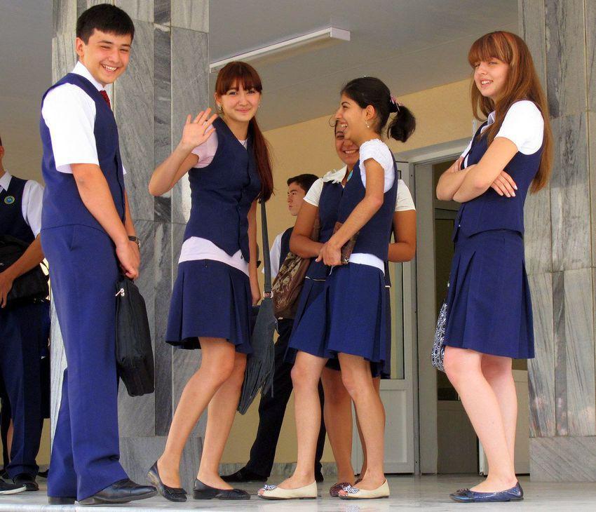 Khám phá đồng phục của học sinh, sinh viên thế giới: Nơi gây choáng vì đắt đỏ, nơi ấn tượng mạnh về độ độc đáo - Ảnh 25.