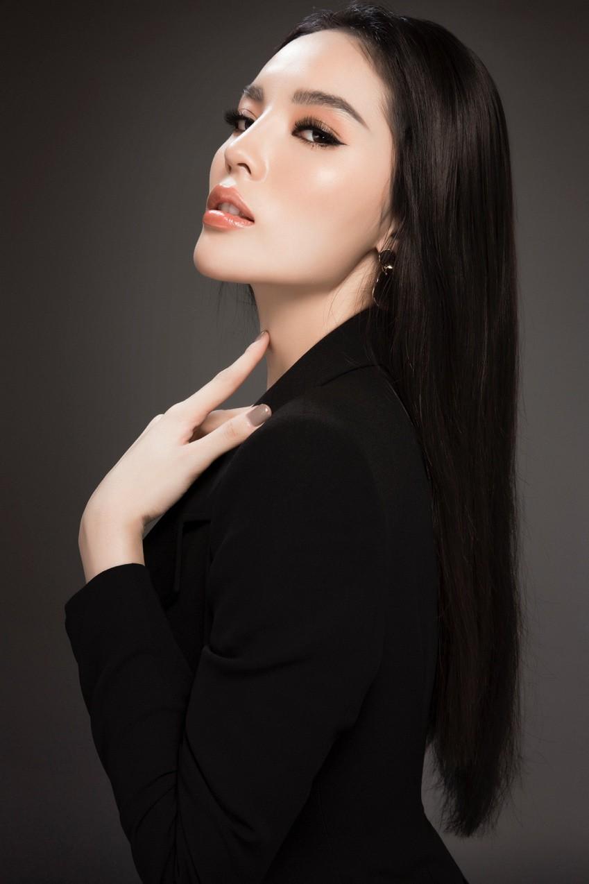 Bí ẩn đằng sau làn da trắng không tỳ vết của Hoa hậu Kỳ Duyên - Ảnh 1.