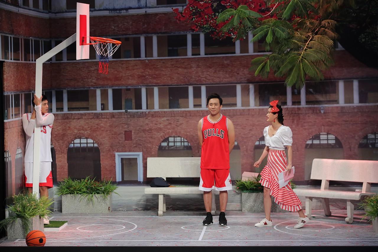 Trấn Thành - Gin Tuấn Kiệt tỏ tình cùng nhau trên sân khấu Ơn giời - Ảnh 2.