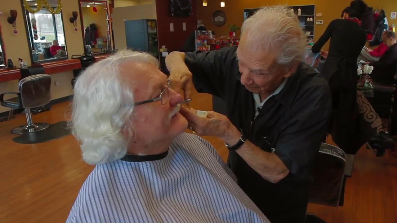 Ông trăm tuổi làm nghề cắt tóc: suốt 96 năm vẫn miệt mài công việc vì 1 lí do đầy bất ngờ, cảm động - Ảnh 2.