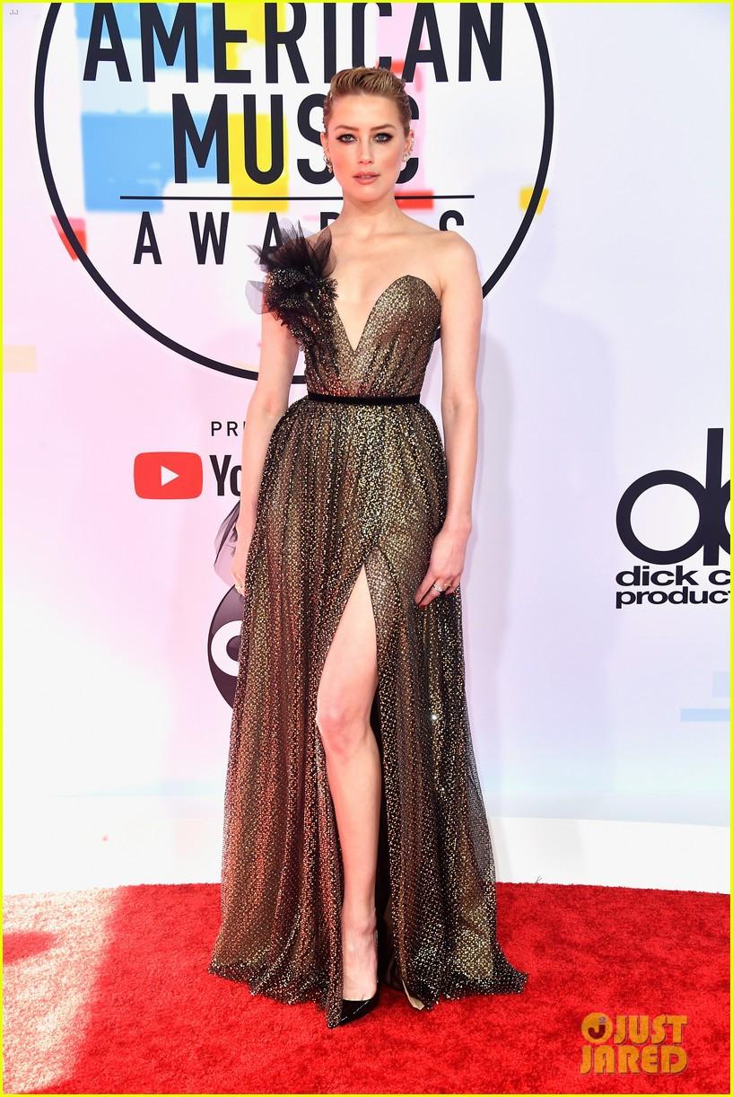 Dàn siêu sao đổ bộ thảm đỏ AMA 2018: Taylor Swift chói lóa cả sự kiện, nhiều đại diện Kpop cũng xuất hiện - Ảnh 11.