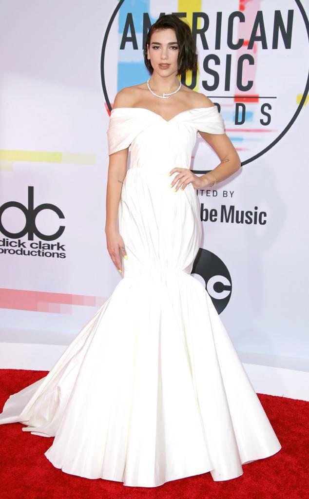 Dàn siêu sao đổ bộ thảm đỏ AMA 2018: Taylor Swift chói lóa cả sự kiện, nhiều đại diện Kpop cũng xuất hiện - Ảnh 24.