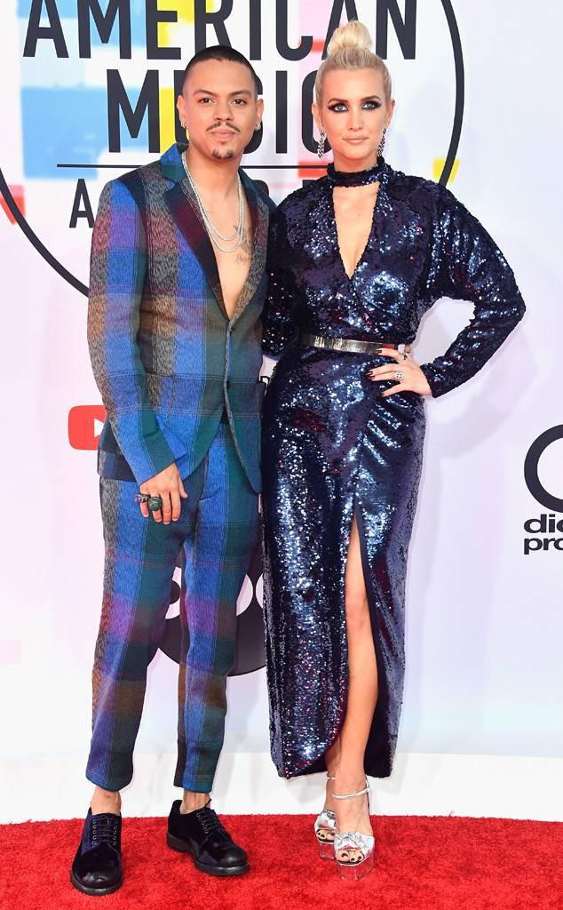 Dàn siêu sao đổ bộ thảm đỏ AMA 2018: Taylor Swift chói lóa cả sự kiện, nhiều đại diện Kpop cũng xuất hiện - Ảnh 26.