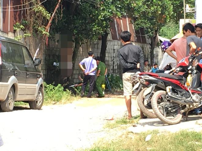 Đi đổ rác trước nhà, người phụ nữ phát hiện hàng xóm treo cổ trên cây mít - Ảnh 3.