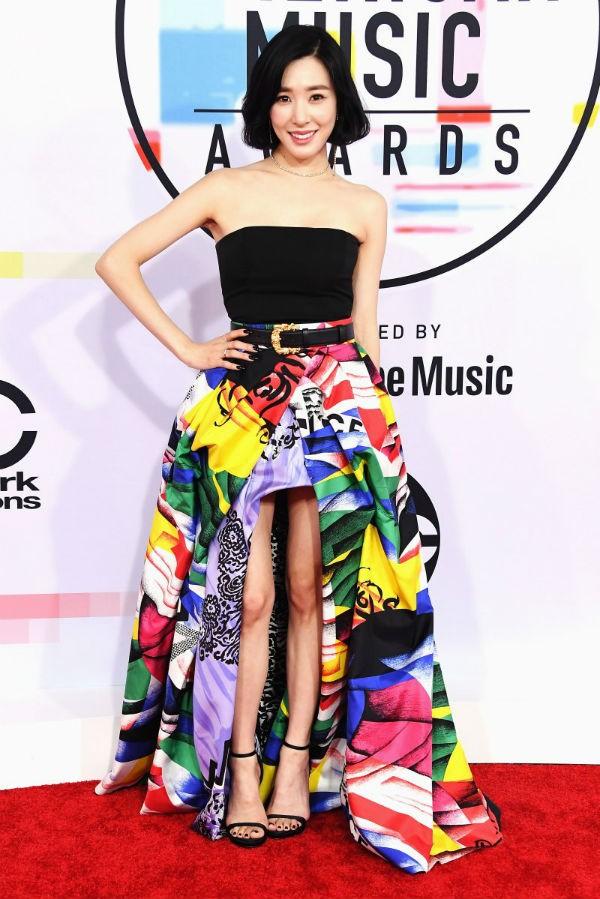 Dàn siêu sao đổ bộ thảm đỏ AMA 2018: Taylor Swift chói lóa cả sự kiện, nhiều đại diện Kpop cũng xuất hiện - Ảnh 7.