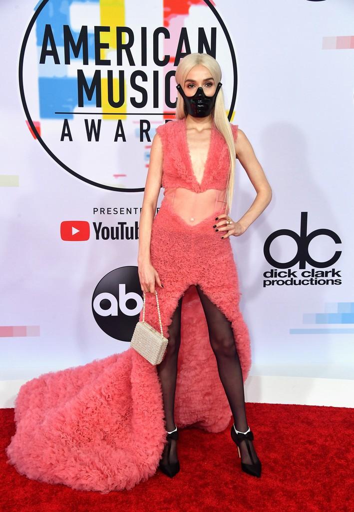 Dàn siêu sao đổ bộ thảm đỏ AMA 2018: Taylor Swift chói lóa cả sự kiện, nhiều đại diện Kpop cũng xuất hiện - Ảnh 31.