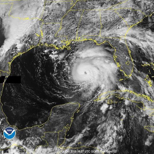 Bờ Đông Mỹ sắp đón thêm bão 'quái vật', hơn 120.000 người phải sơ tán - Ảnh 1.