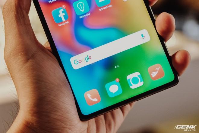 Ra mắt Bphone 3 màn hình tràn đáy: Bphone 3 mỏng ngang cả iPhone X - ảnh 3