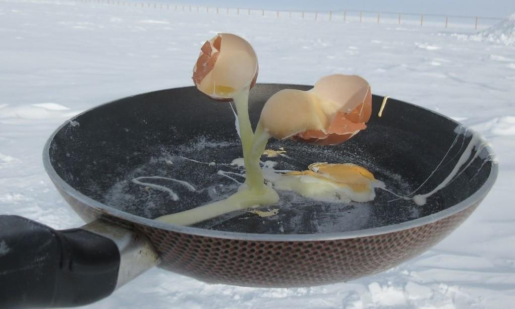 Điều gì sẽ xảy ra khi bạn nấu ăn ở Nam Cực với nhiệt độ ngoài trời là -70 độ C? - Ảnh 3.