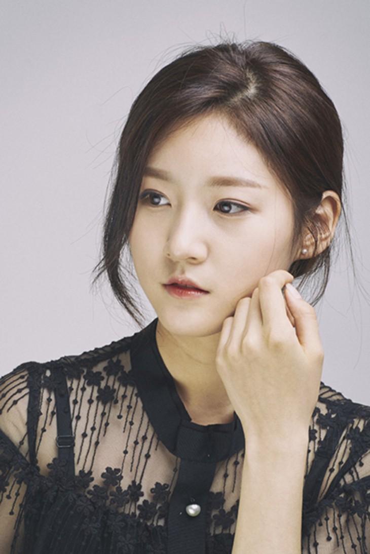 Kim Sae Ron: Sao nhí từng 2 lần đi thảm đỏ Cannes, nhan sắc Kim Yoo Jung, Kim So Hyun cũng phải kiêng dè - Ảnh 7.