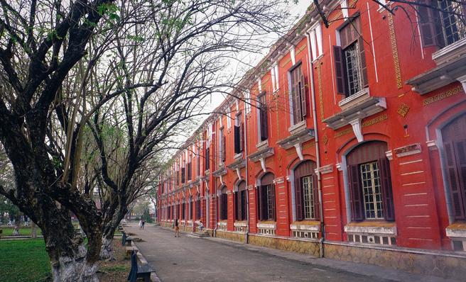 Ở miền Trung có 1 ngôi trường cấp 3 kiến trúc đẹp như châu Âu, đứng vào góc nào cũng ra ảnh nghìn like - Ảnh 12.