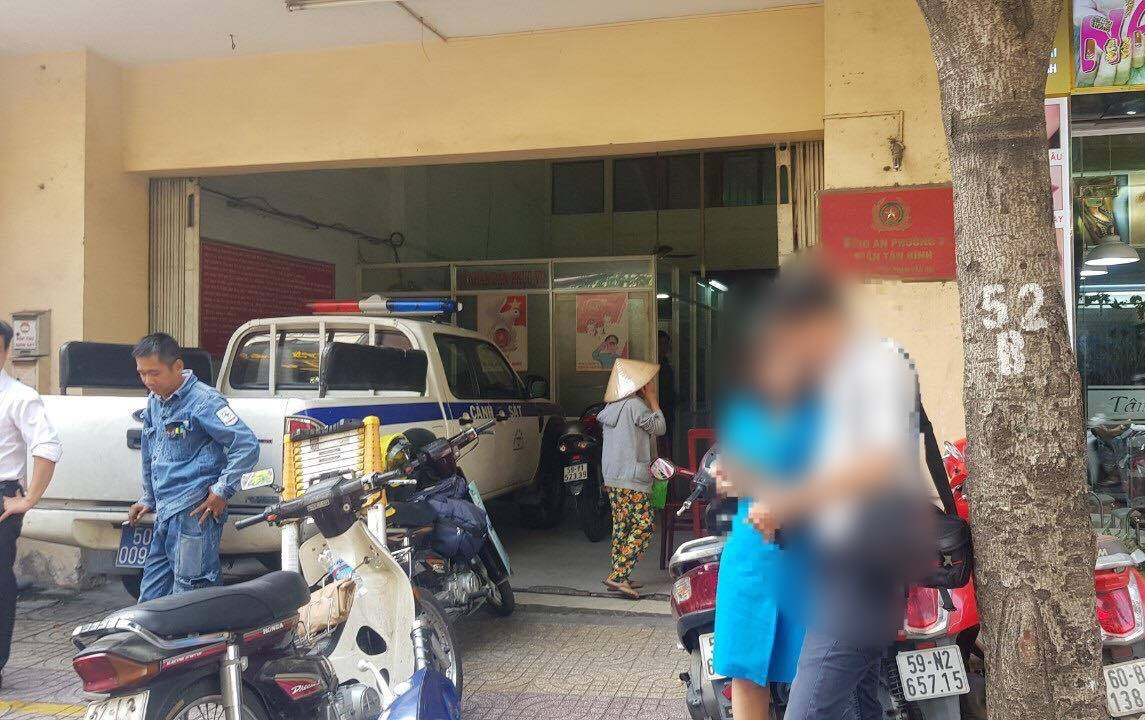 Đến cắt điện quán cafe không đóng tiền, nhân viên điện lực ở Sài Gòn bị đánh gãy mũi - Ảnh 2.
