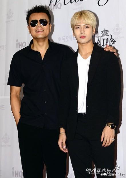 Bố mẹ Jackson (GOT7) từng phản đối con mình làm Idol vì nghĩ JYP là... kẻ lừa đảo - Ảnh 1.