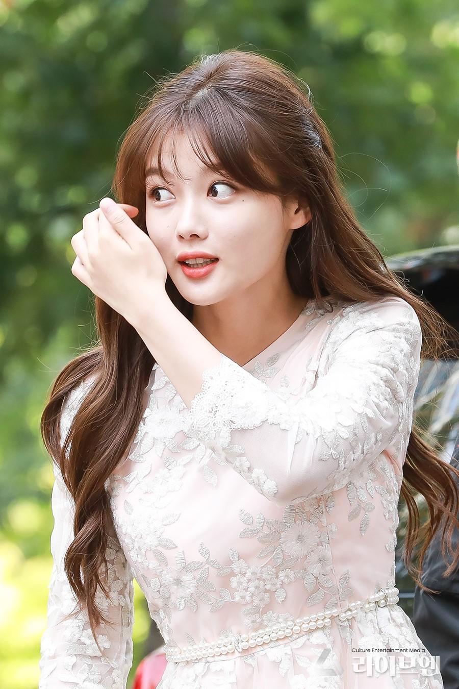 Kim Yoo Jung chính thức trở lại sau 2 năm: Xinh đến nỗi fan chỉ muốn lịm đi! - Ảnh 5.