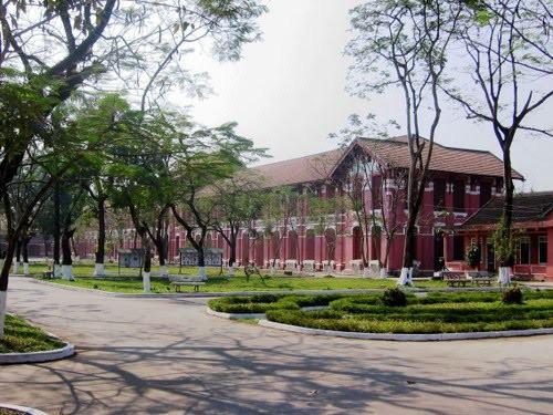 Ở miền Trung có 1 ngôi trường cấp 3 kiến trúc đẹp như châu Âu, đứng vào góc nào cũng ra ảnh nghìn like - Ảnh 15.