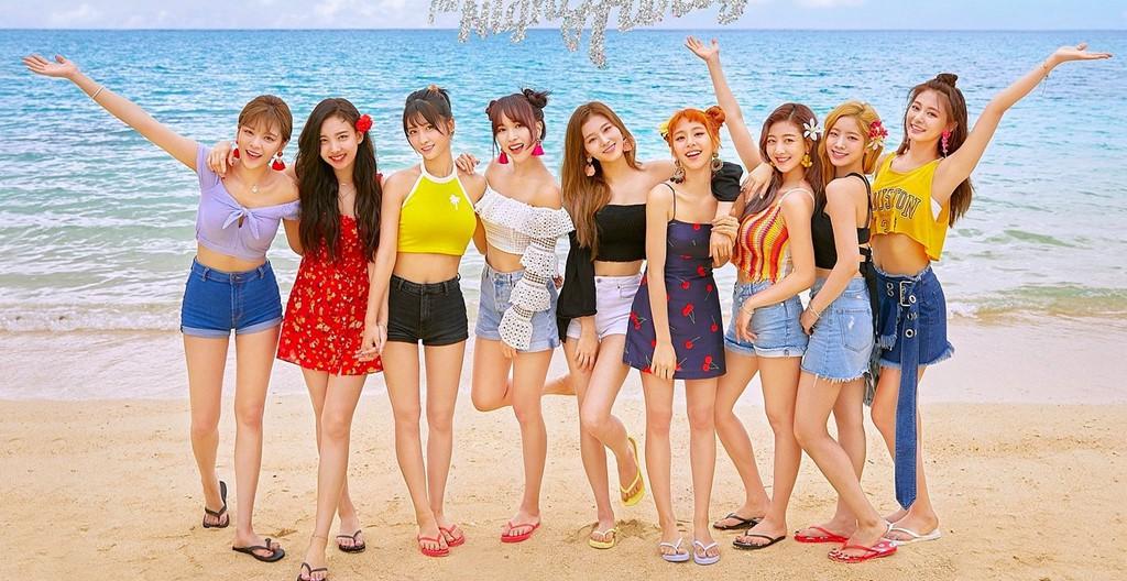 """Cuộc chiến Kpop tháng 11: TWICE, Red Velvet đồng loạt comeback, fan """"kêu gào"""" vì thiếu vắng Blackpink - Ảnh 1."""