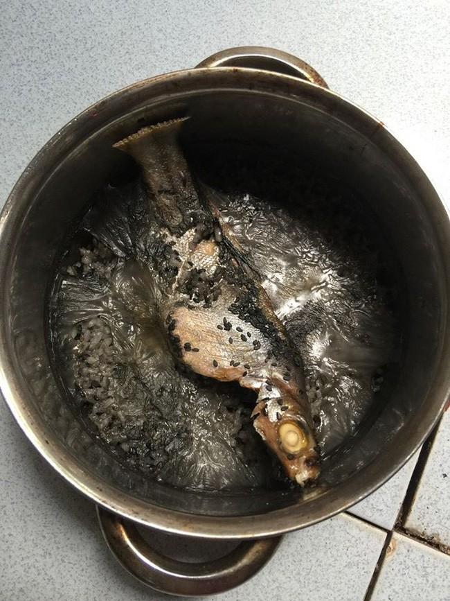 Lại thêm một nồi trứng kho thịt cháy đen chứng minh truyền thuyết đẻ xong để quên não ở bệnh viện là có thật - Ảnh 5.