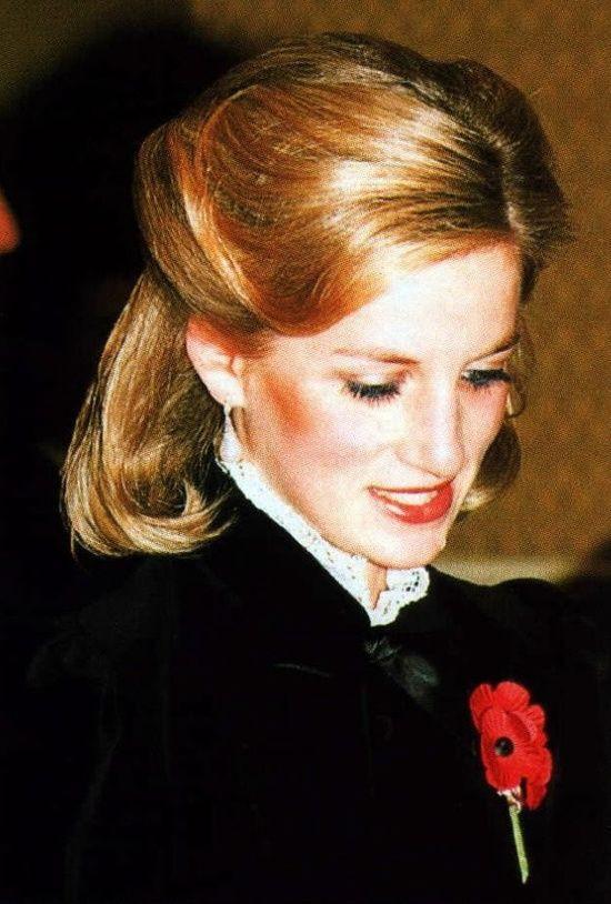 Mấy ai để ý rằng Công nương Diana cũng có một thời để tóc lỡ vai đầy dịu dàng và trang nhã đến vậy - Ảnh 6.