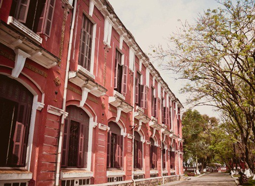 Ở miền Trung có 1 ngôi trường cấp 3 kiến trúc đẹp như châu Âu, đứng vào góc nào cũng ra ảnh nghìn like - Ảnh 7.