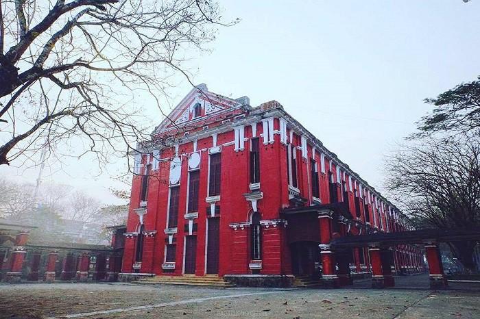 Ở miền Trung có 1 ngôi trường cấp 3 kiến trúc đẹp như châu Âu, đứng vào góc nào cũng ra ảnh nghìn like - Ảnh 6.
