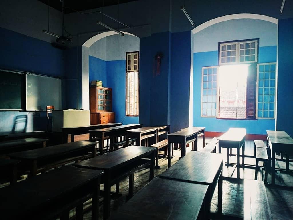 Ở miền Trung có 1 ngôi trường cấp 3 kiến trúc đẹp như châu Âu, đứng vào góc nào cũng ra ảnh nghìn like - Ảnh 14.