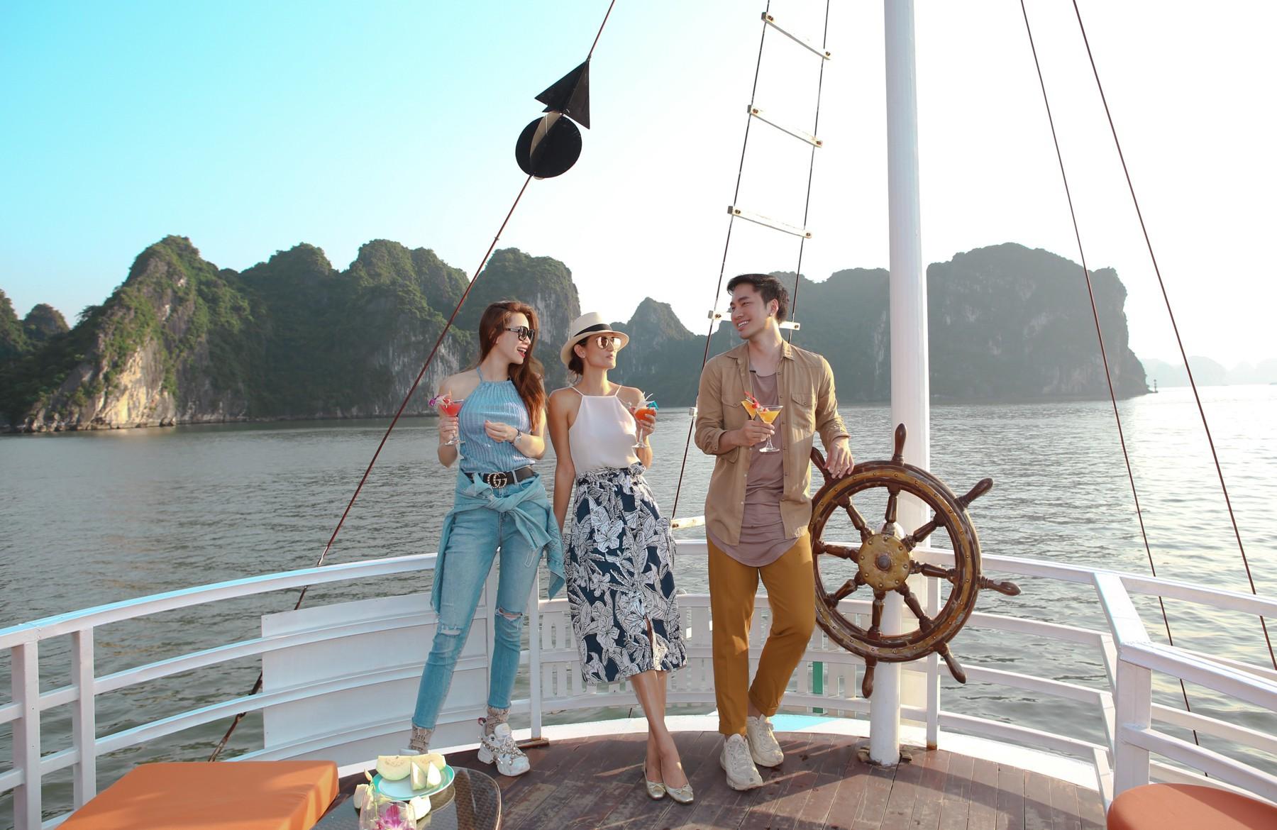 Host Asias Next Top Model trầm trồ về vịnh Hạ Long khi du lịch cùng Hồ Ngọc Hà - Ảnh 3.