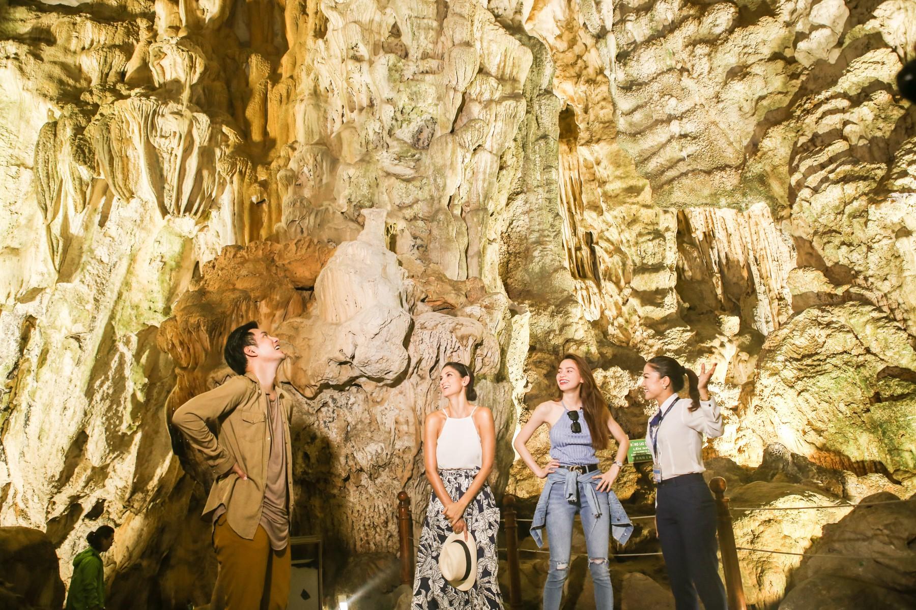 Host Asias Next Top Model trầm trồ về vịnh Hạ Long khi du lịch cùng Hồ Ngọc Hà - Ảnh 5.