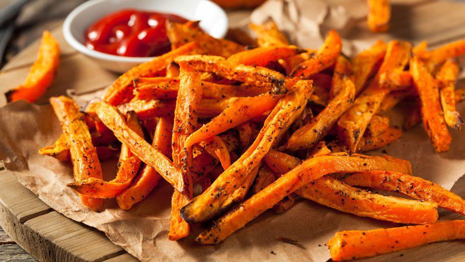 Không lo da khô bong tróc mùa gió hanh nếu bổ sung thường xuyên 7 loại thực phẩm giữ độ ẩm cho làn da sau - Ảnh 1.