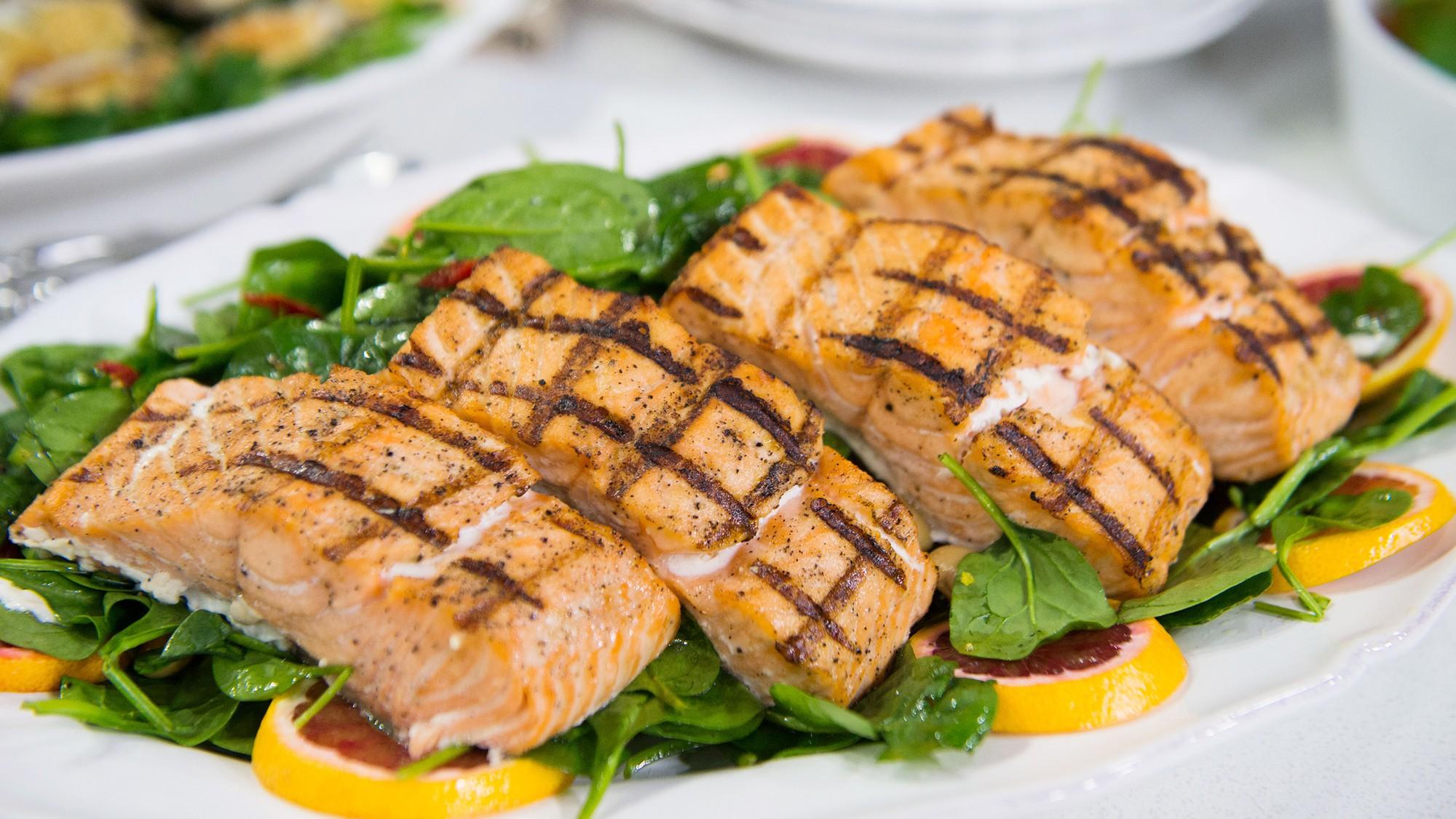 Không lo da khô bong tróc mùa gió hanh nếu bổ sung thường xuyên 7 loại thực phẩm giữ độ ẩm cho làn da sau - Ảnh 2.