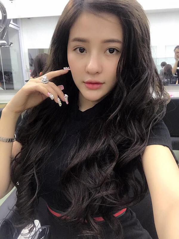 Ngân 98 được báo Trung Quốc khen nức nở, được gọi là nữ thần đẹp nhất Việt Nam - Ảnh 2.