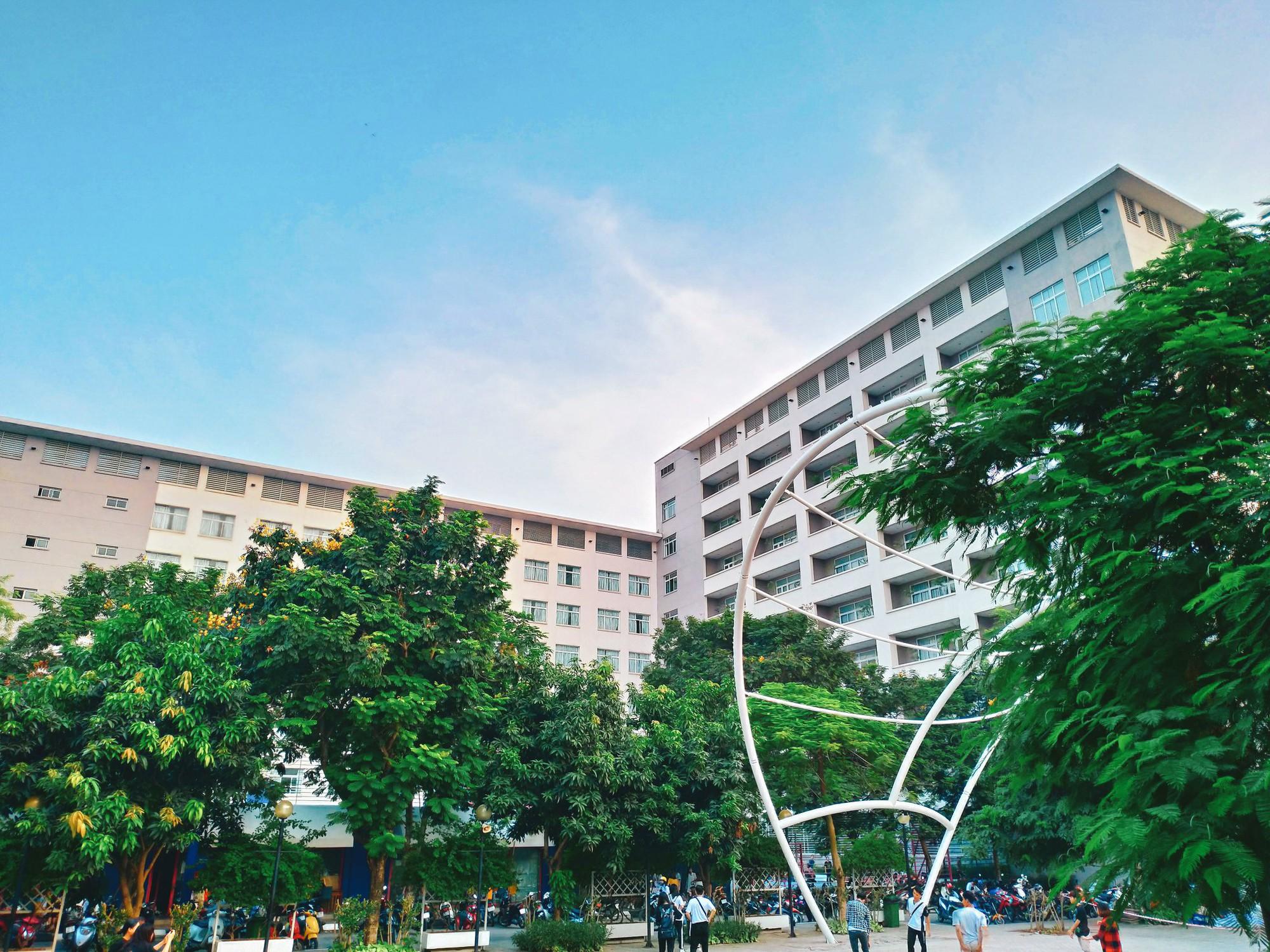 Bắc có ĐH Thăng Long, Nam có ĐH RMIT, đây chắc chắn là 2 ngôi trường đẹp, xịn nhất Việt Nam - Ảnh 3.