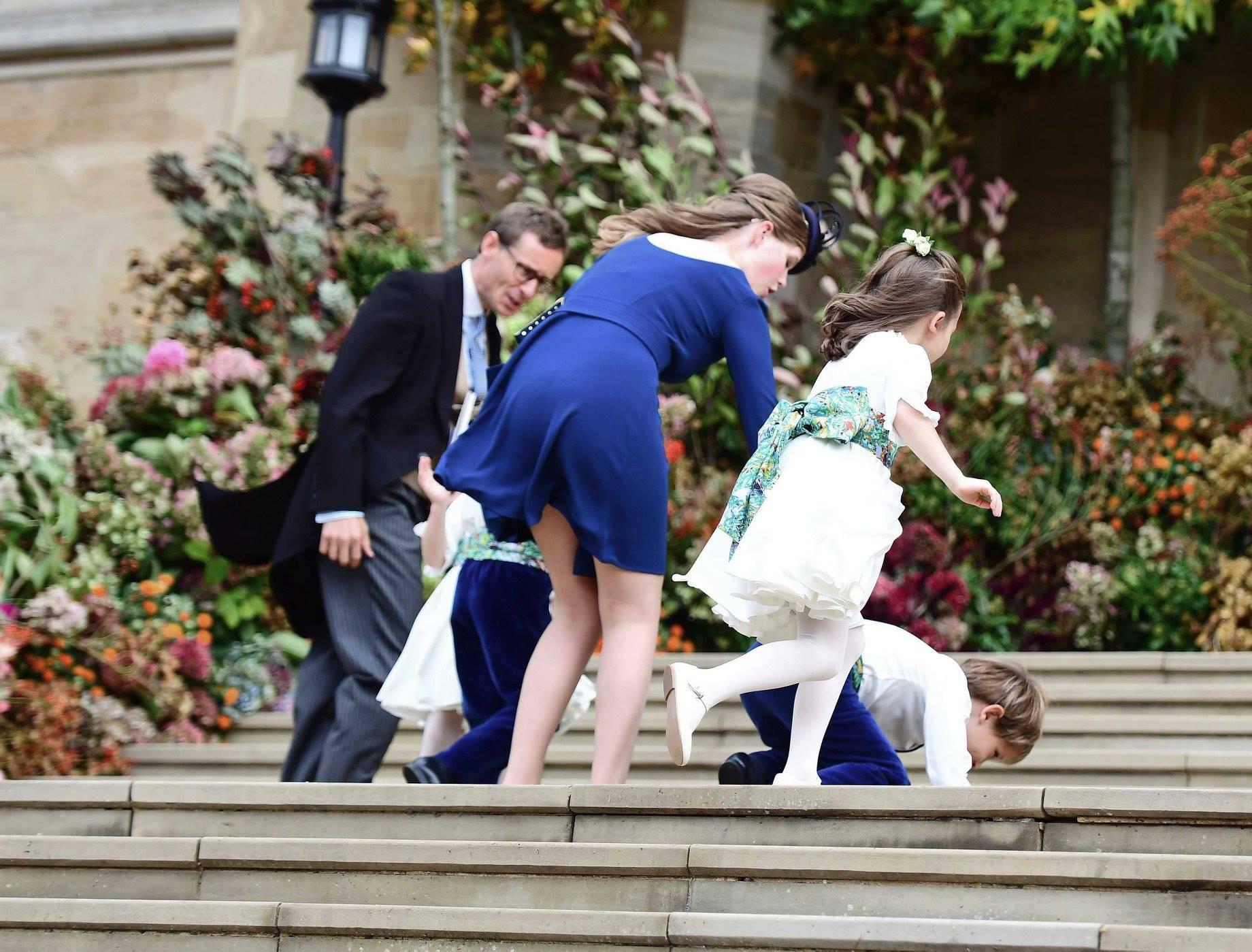 Những hình ảnh trong đám cưới cổ tích của Công chúa Eugenie - cháu gái Nữ hoàng Anh - Ảnh 3.