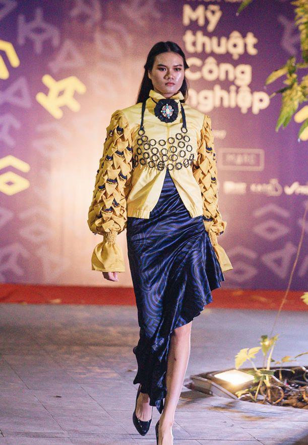 Đã mắt với những thiết kế ấn tượng không thua kém bất cứ sàn diễn quốc tế nào của sinh viên Thiết kế Thời trang, Đại học Kiến trúc Thành phố Hồ Chí Minh - Ảnh 39.
