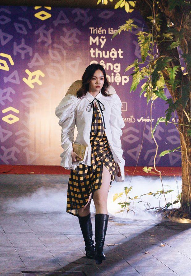 Đã mắt với những thiết kế ấn tượng không thua kém bất cứ sàn diễn quốc tế nào của sinh viên Thiết kế Thời trang, Đại học Kiến trúc Thành phố Hồ Chí Minh - Ảnh 38.