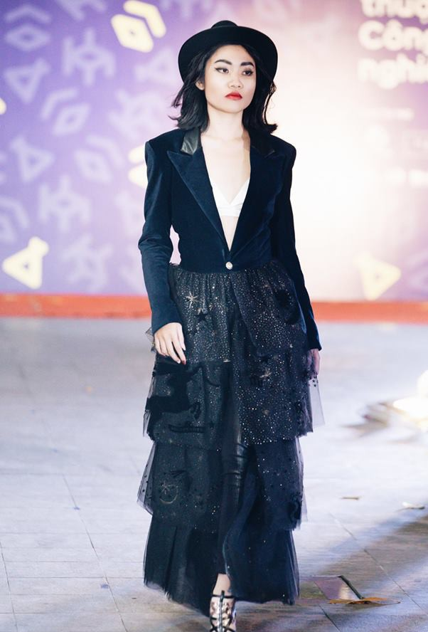 Đã mắt với những thiết kế ấn tượng không thua kém bất cứ sàn diễn quốc tế nào của sinh viên Thiết kế Thời trang, Đại học Kiến trúc Thành phố Hồ Chí Minh - Ảnh 35.